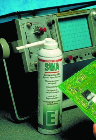 Пенообразен разтвор на водна основа за почистване и изплакване ма електроника, аерозол