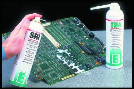 Разтвор за премахване на остатъците от почистване на печатни платки (PCB)