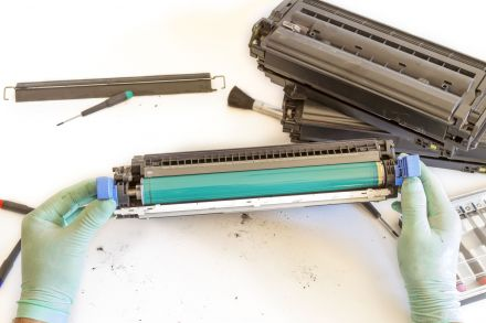 Презареждане на тонер касета TN-135Y